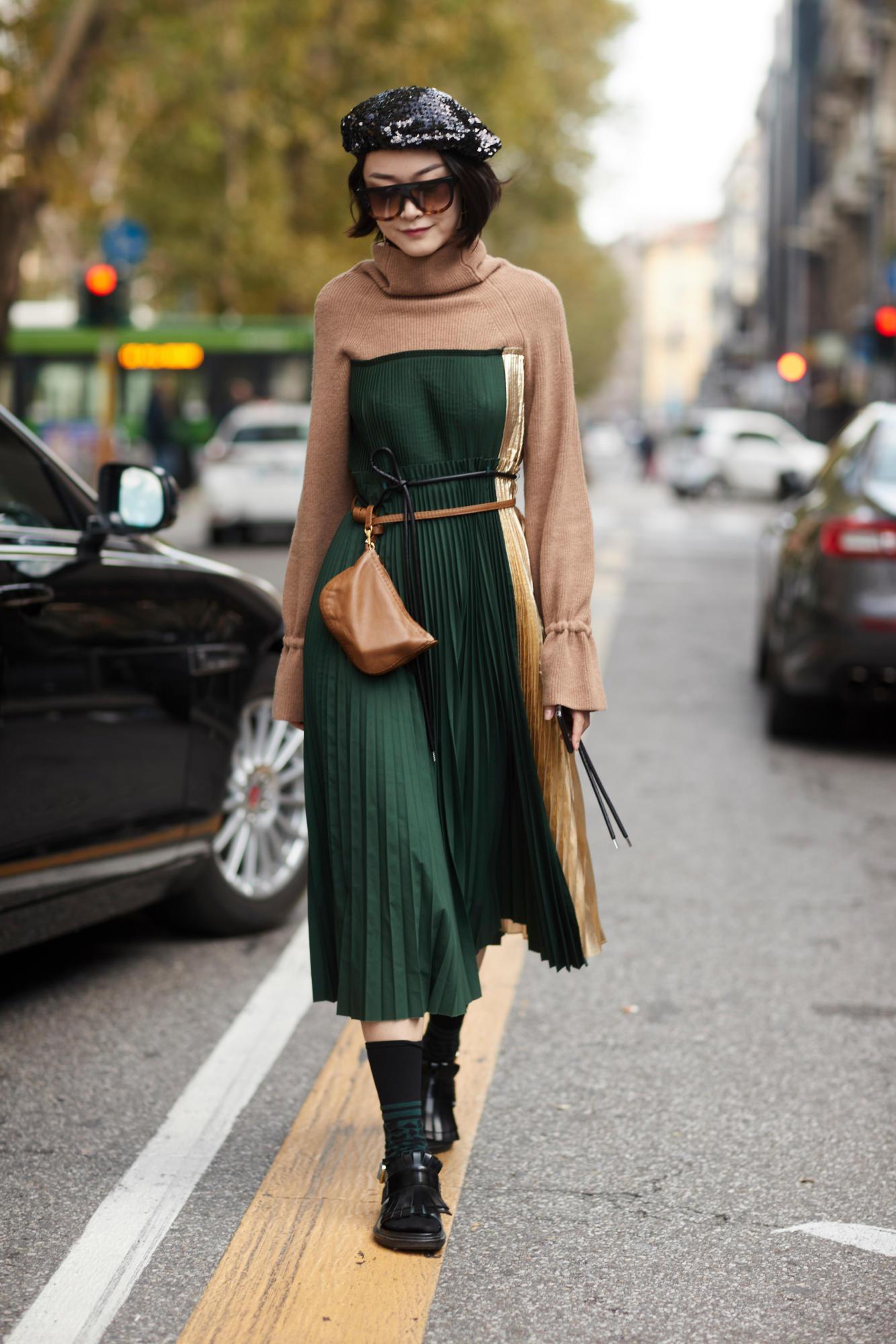 Повседневное платье зеленое плиссе