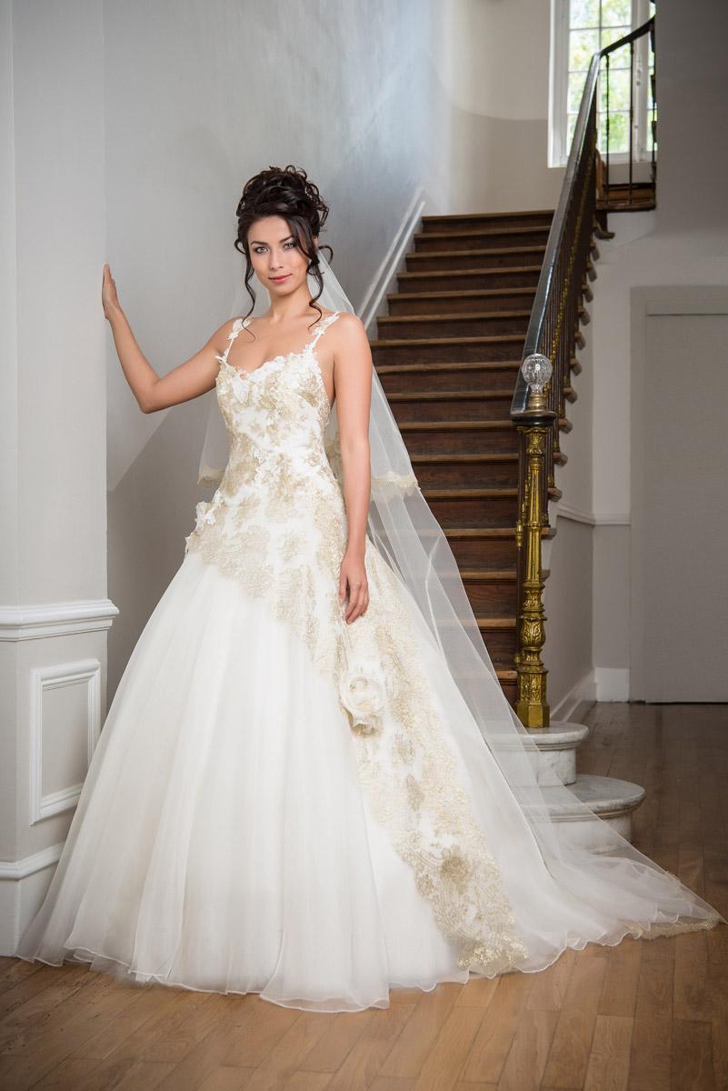Свадебное платье айвори с золотом