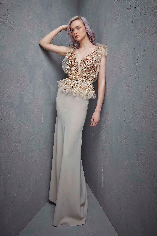 Серое платье с золотом