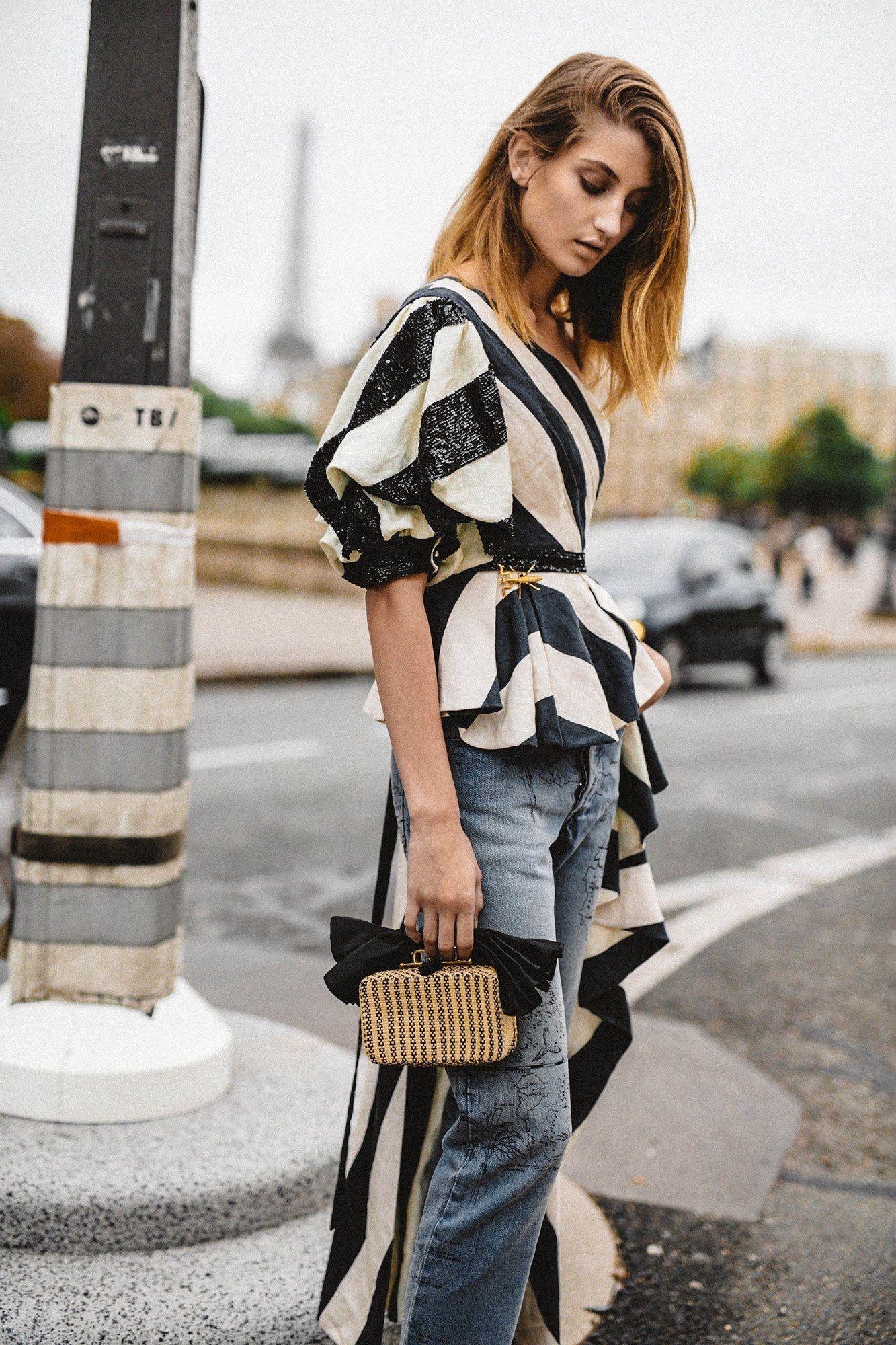 Блузка с коротким рукавом блестящая