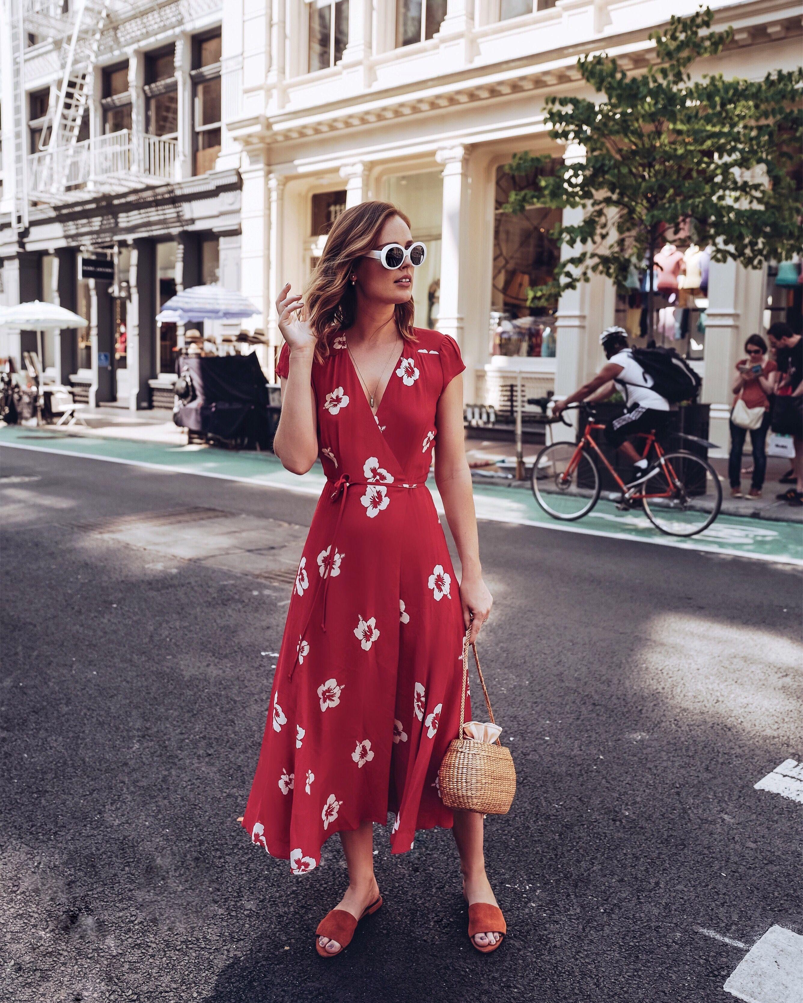 Платье с запахом тенденции