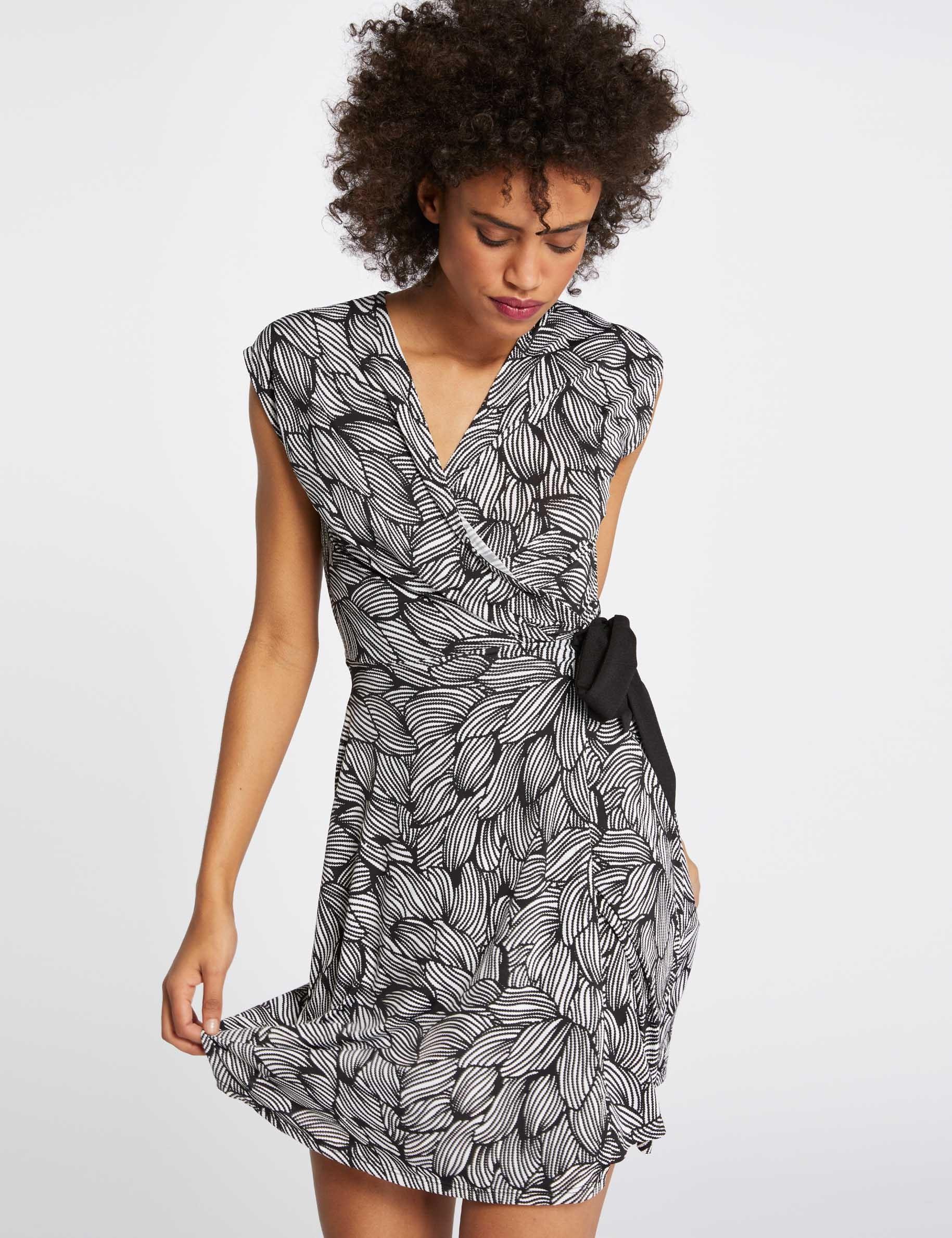 088f8742b98 Платье с Запахом Модное Черное с Длинным Рукавом