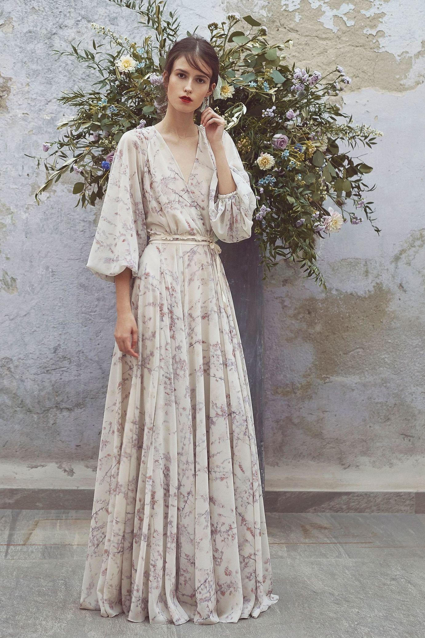 Платье с запахом пастельных тонов