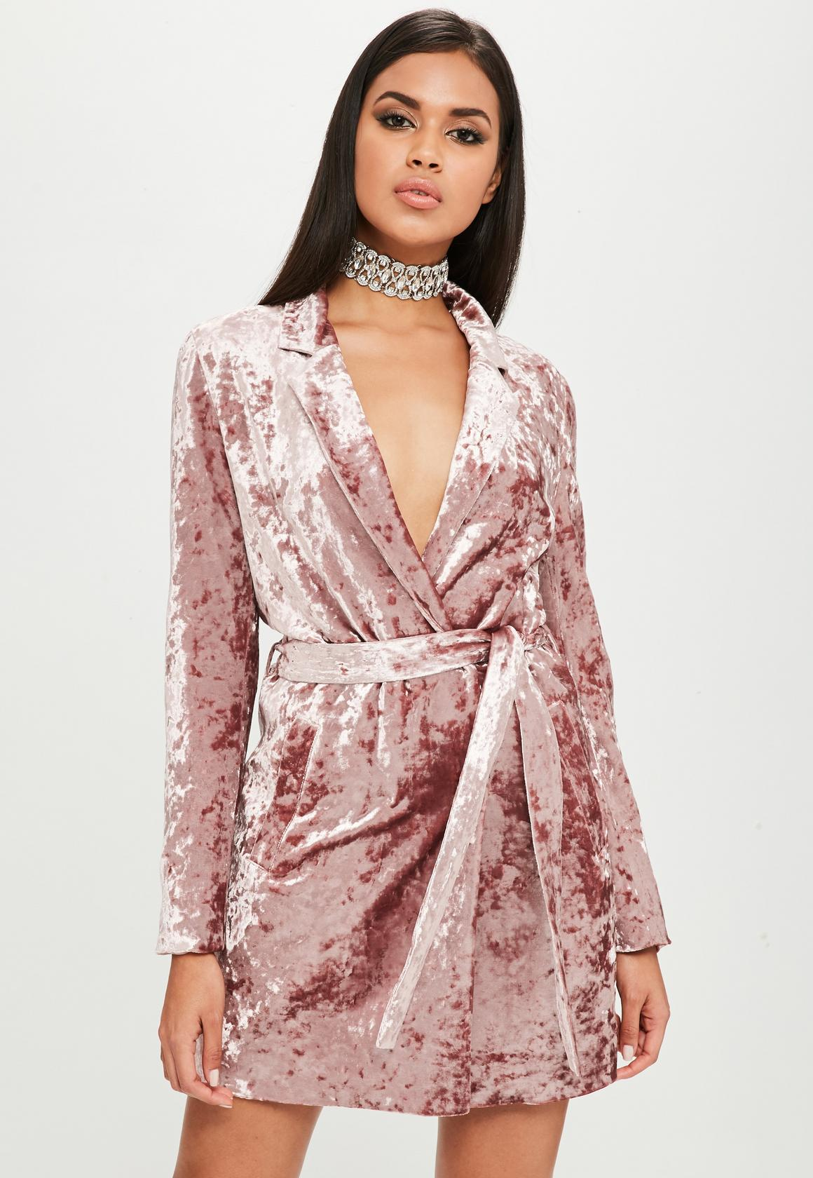 Платье с запахом велюровое