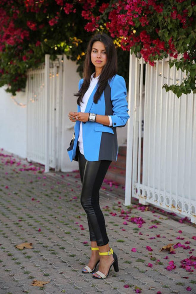 Что носить с голубым пиджаком