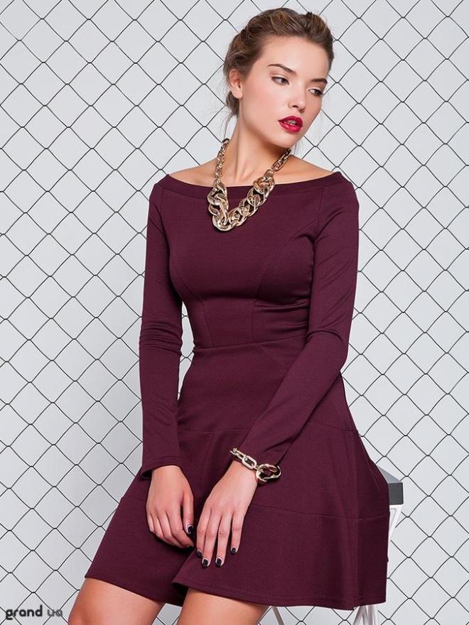 палок золотые аксессуары для бордового платья фото кем можно ездить