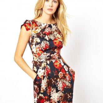 Черно-красное цветочное платье-футляр
