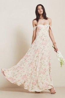 Цветочное свадебное платье с открытыми плечами