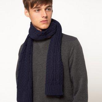 Обычный синий мужской шарф