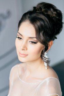 Свадебный пучок на тонкие волосы