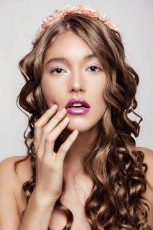 Романтичные волны на тонкие длинные волосы
