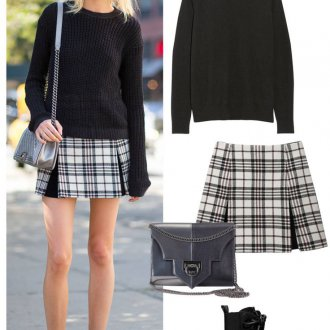 Короткая клетчатая юбка с черной кофтой