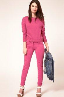 Ярко-розовые свитшот и брюки