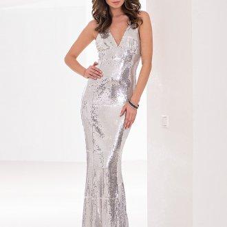 Дымчатый макияж и серебристое платье