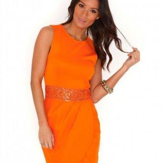 Оранжевое платье для встречи 2020 года Огненного Петуха
