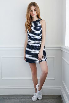 Короткое платье в морском стиле