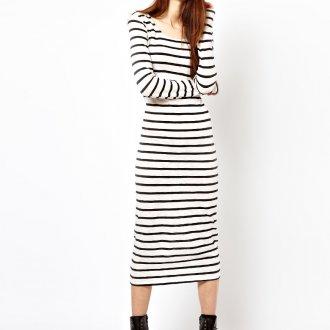Платье в узкую горизонтальную полоску
