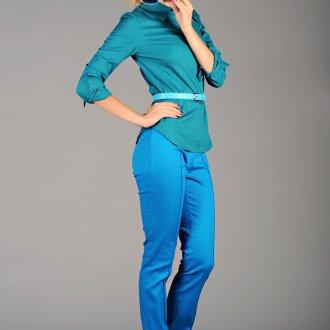Изумрудный и голубой цвета в одежде