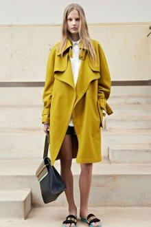 Свободное горчичное пальто