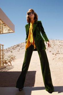 Зеленый бархатный костюм