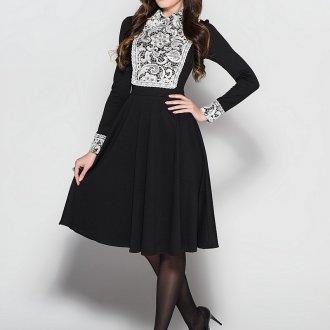Длинное черное платье с белым кружевом