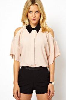 Модная кремовая блузка