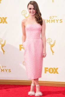 Белые туфли с розовым платьем