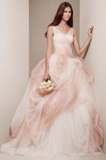Розово-белое свадебное платье
