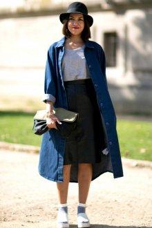 Длинный джинсовый кардиган с юбкой миди