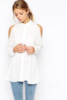 Белая стильная рубашка с открытыми плечами