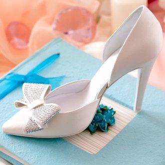 Украшение свадебных туфель стразами