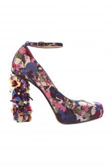 Туфли с цветами на толстом каблуке