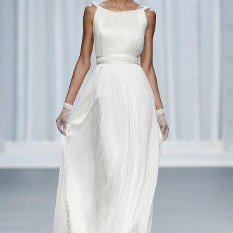 Свадебное платье в стиле ампир с красивым поясом