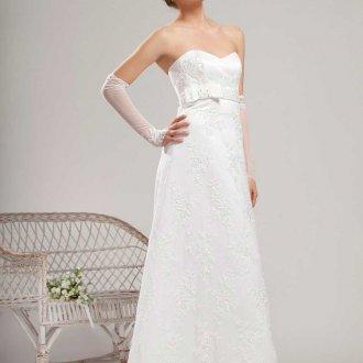 Свадебное платье в стиле ампир с вышивкой