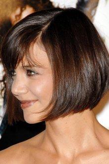 Средняя стрижка на темные волосы для женщины 30 лет