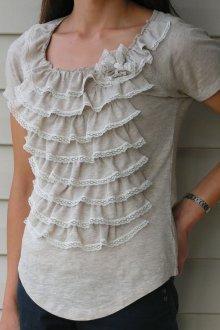 Украшение блузки тканью и кружевом