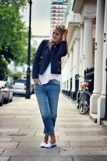 Белые балетки с джинсами