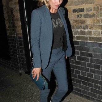 Кейт Мосс в строгом костюме