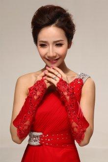 Длинные красные атласные свадебные перчатки с декором без пальцев