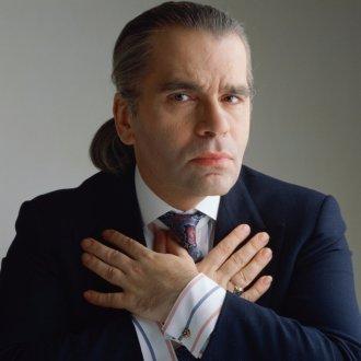 Молодой Карл Лагерфельд