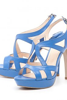 Кожаные голубые босоножки