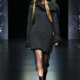 Вязаное черное платье от Маши Цигаль