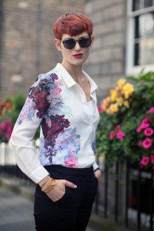 Модная рубашка с цветами 2018