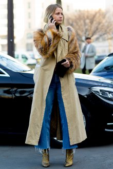 Пальто с меховыми рукавами 2020