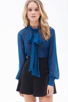 Блузка в горошек с длинным рукавом