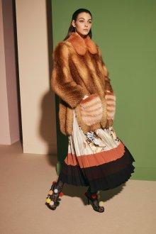 Модная шуба из лисы 2020