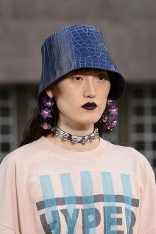Шляпа кожаная 2018