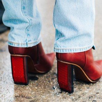 Ботинки на оригинальном каблуке 2020