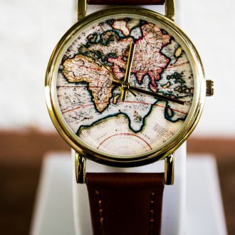 Мужские часы с рисунком на циферблате 2020