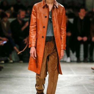 Мужское пальто из кожи терракотового цвета